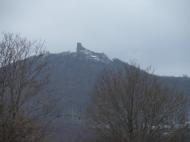 A regéci vár a falu határából